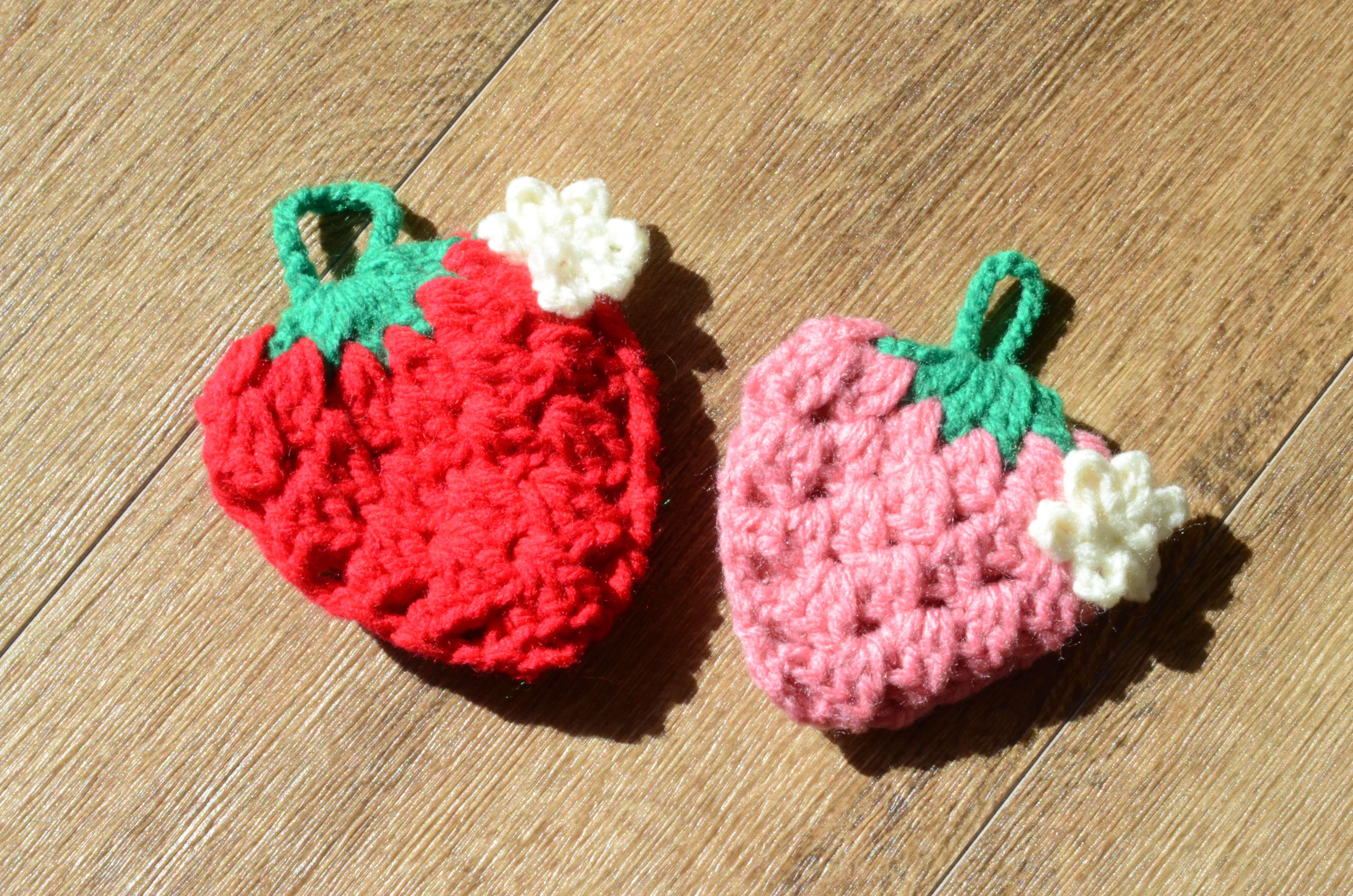 いちご編み物